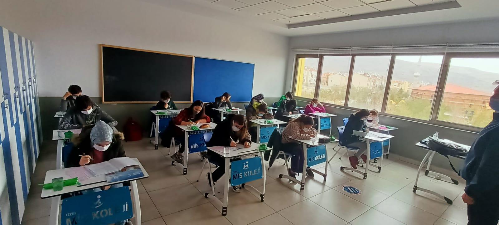 miskoleji-öğrencilerin-bursluluk sınav heyecanı-1
